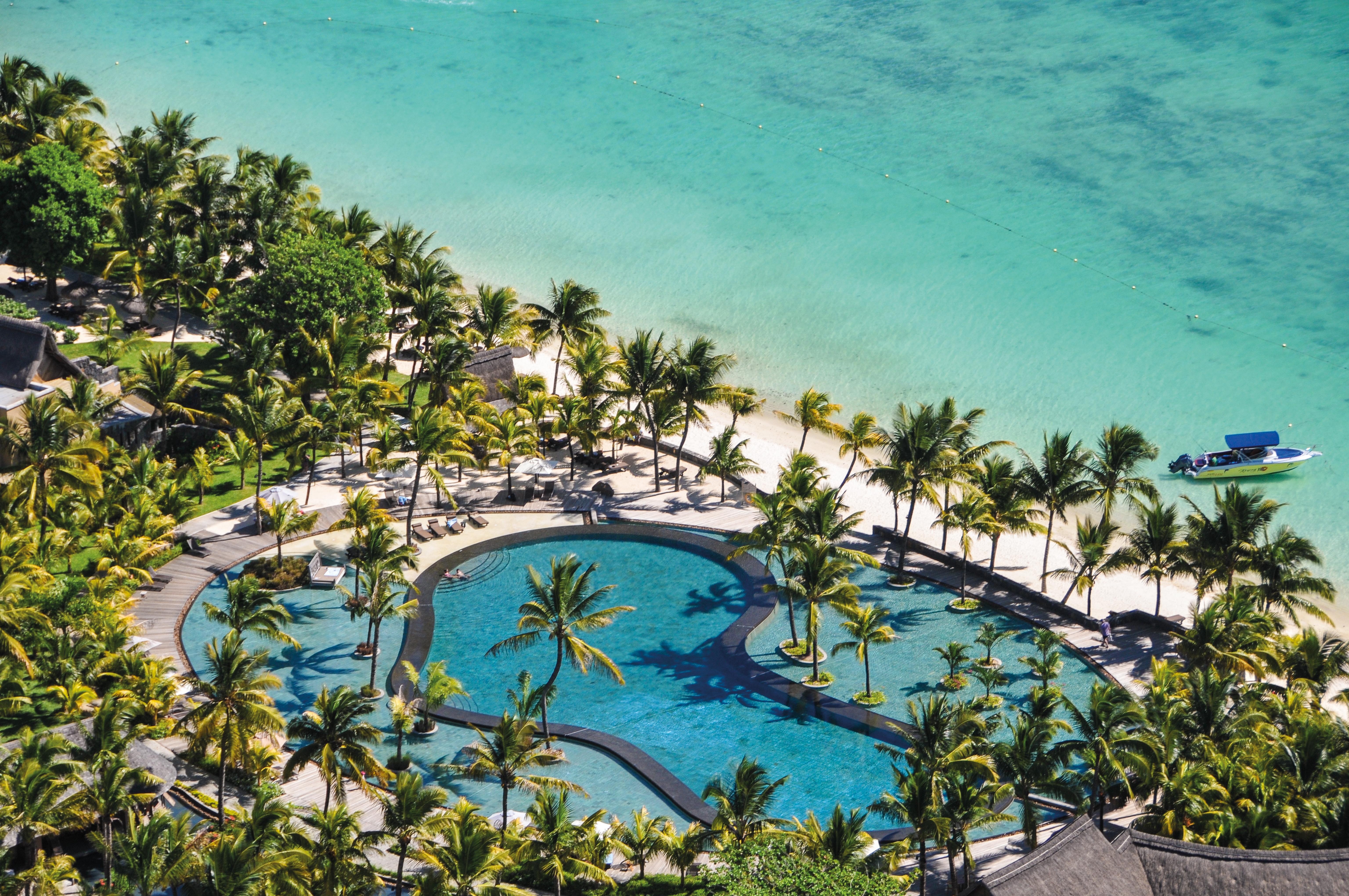 indian-ocean-luxury-beach-resort