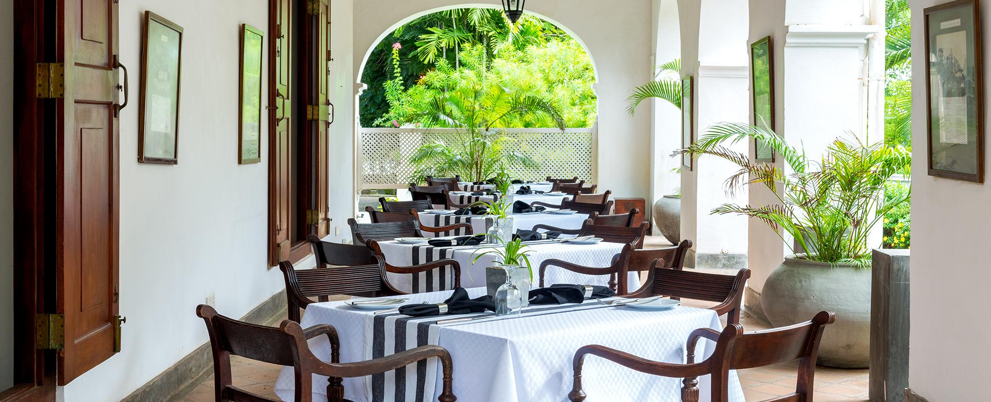 breakfast-terrace-tamarind-hill