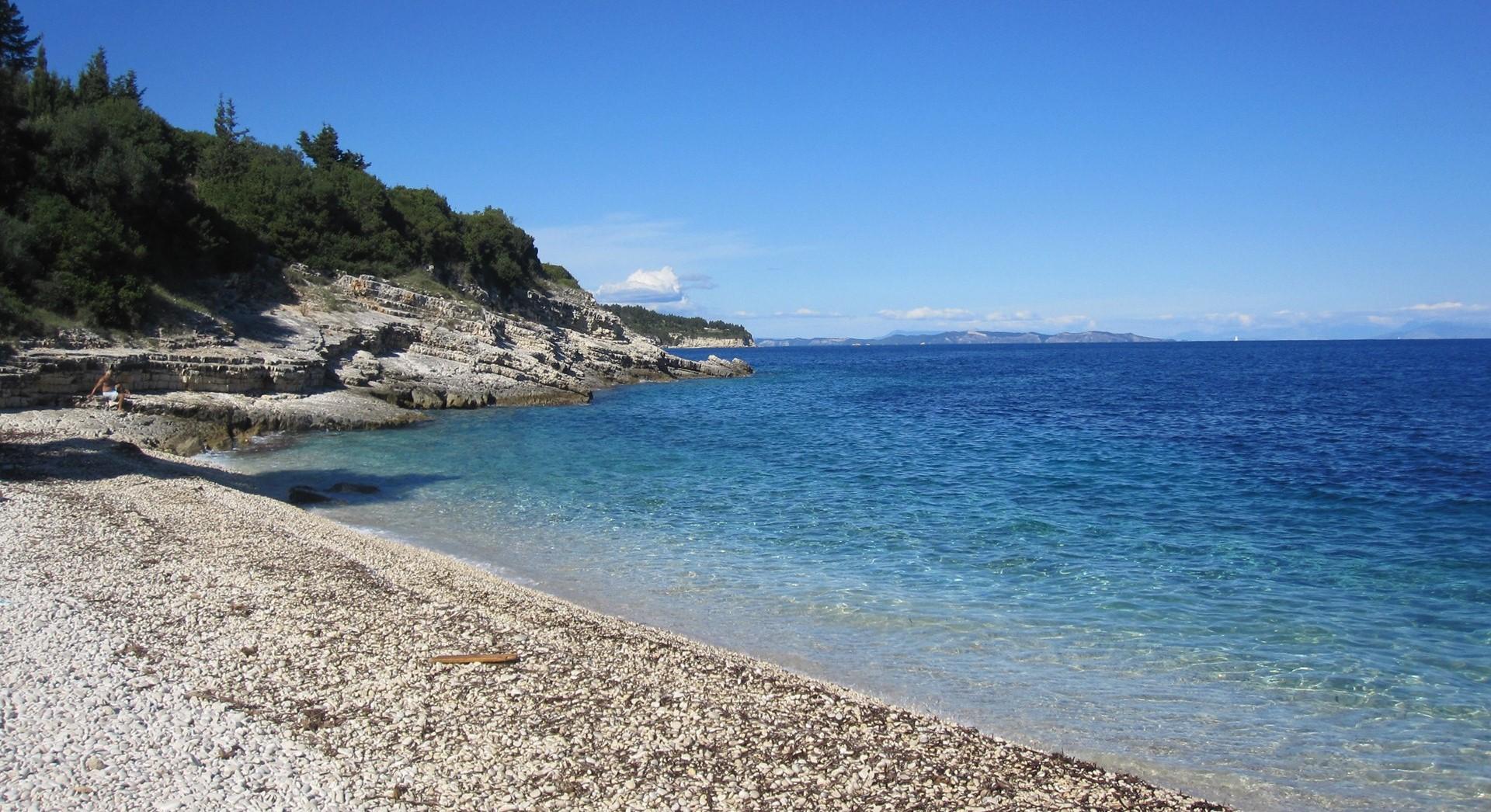 4-bed-beach-family-villa-paxos