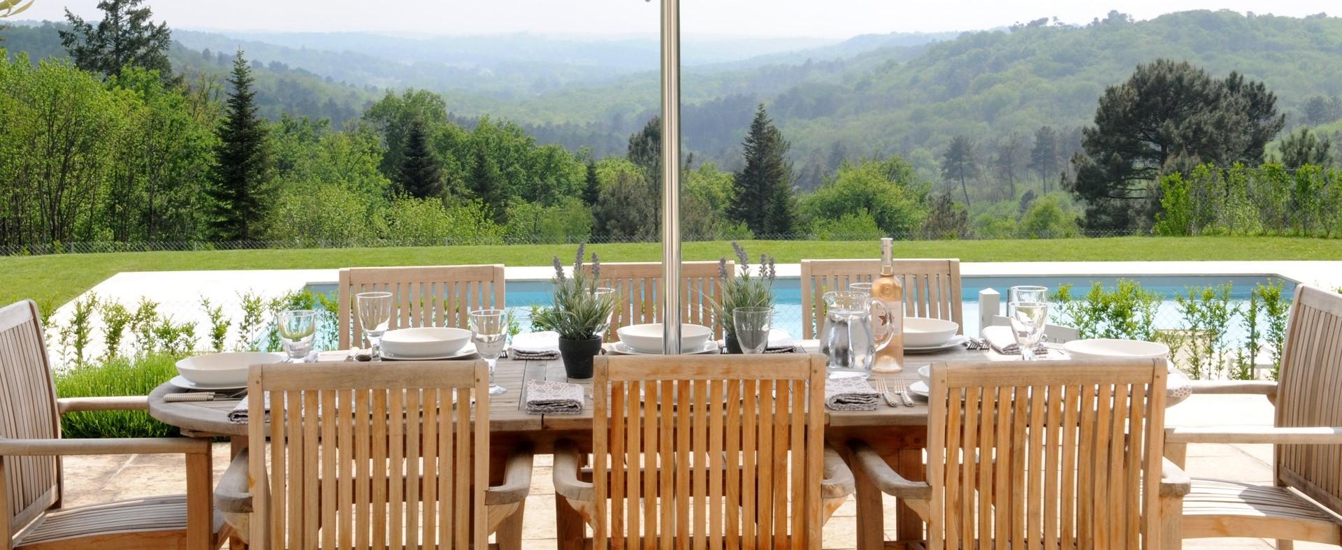 large-luxury-family-pool-villa-dordogne.