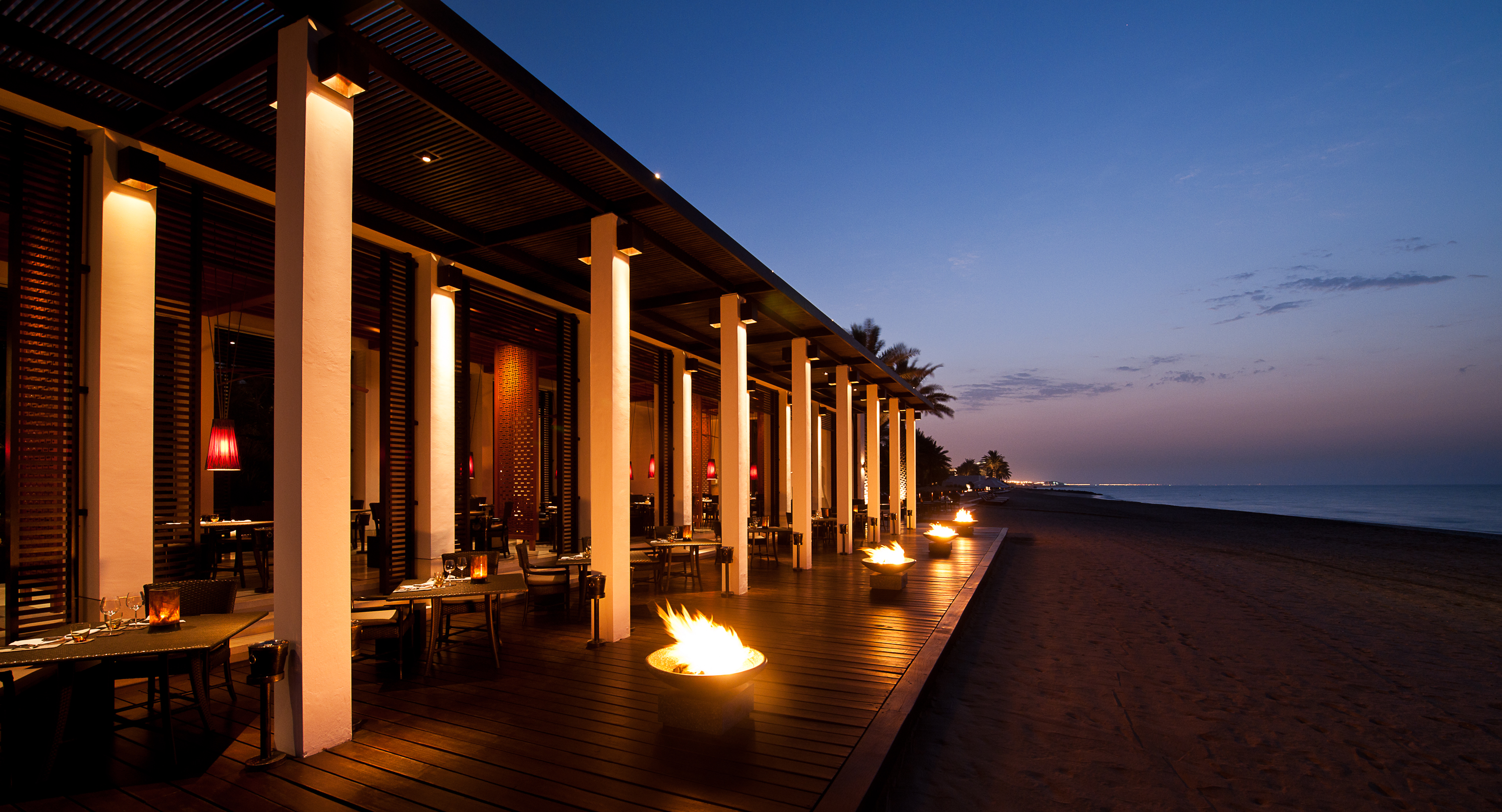 the-chedi-muscat-beach-restaurant