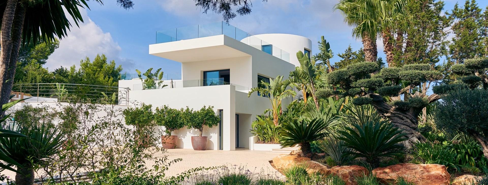 villa-can-castello-side-facade