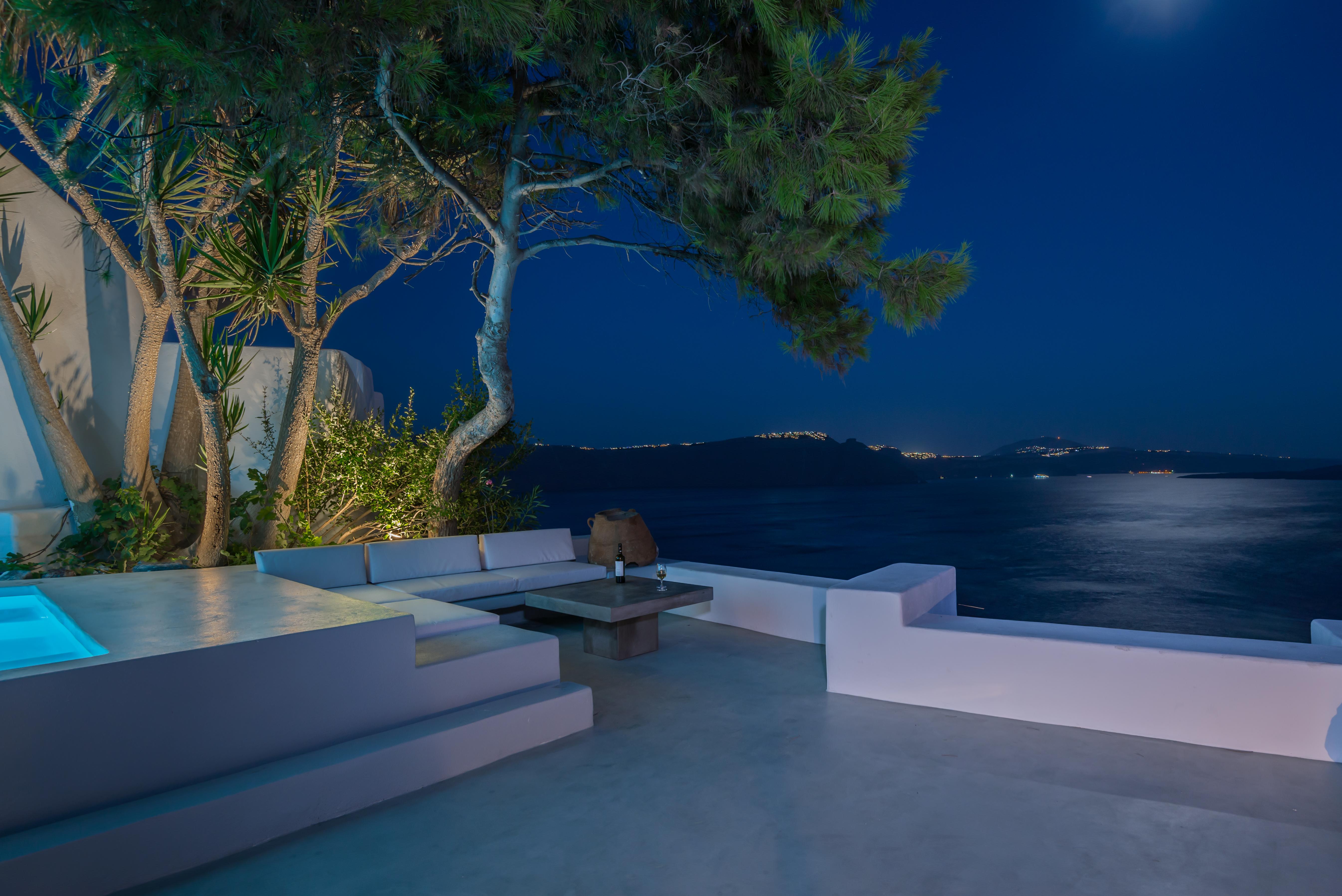 santorini-luxury-tailor-made-holiday
