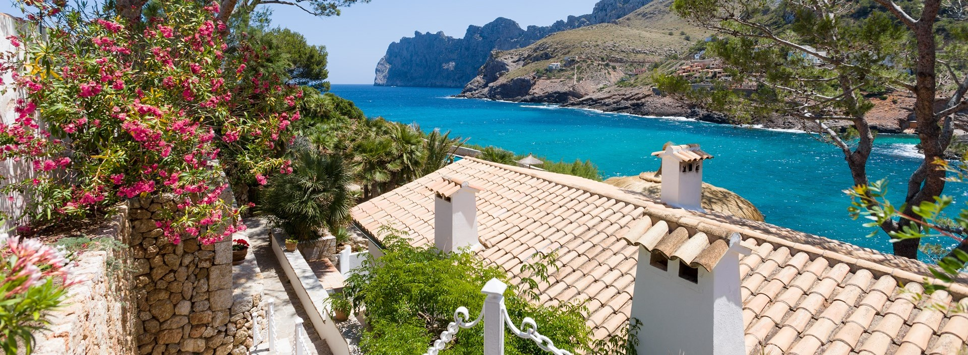 arriving-at-villa-mar-azul-mallorca