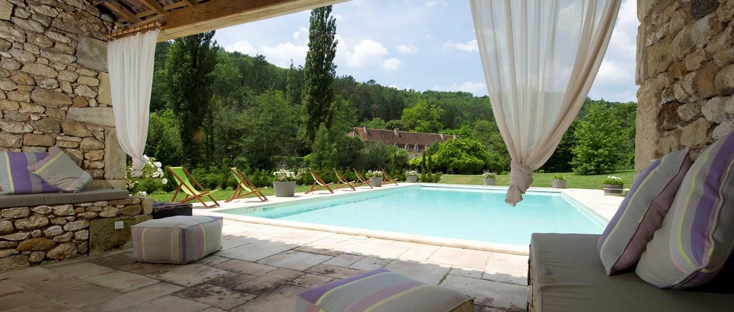 chateau-le-chartreuse-pool