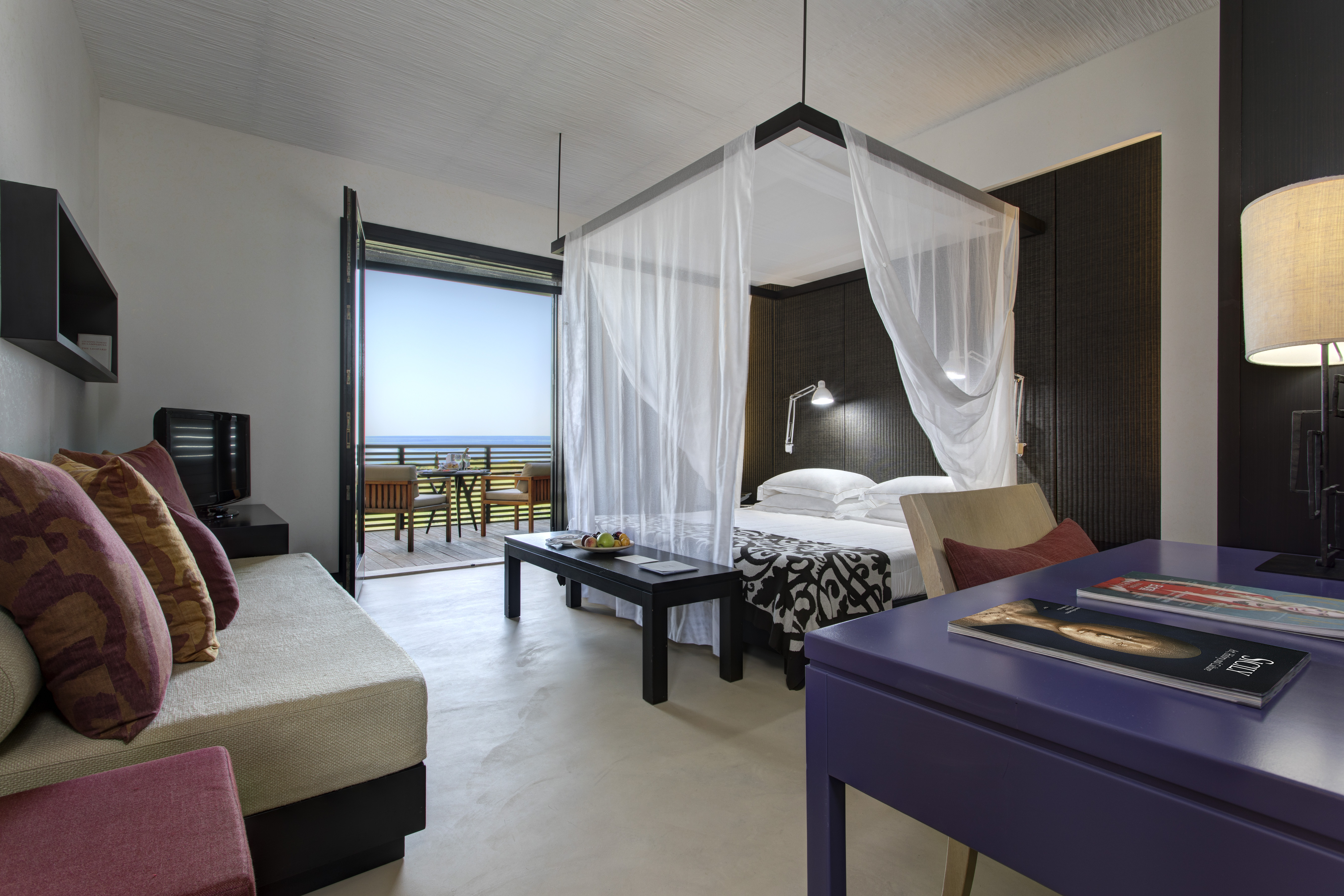 deluxe-room-luxury-hotel