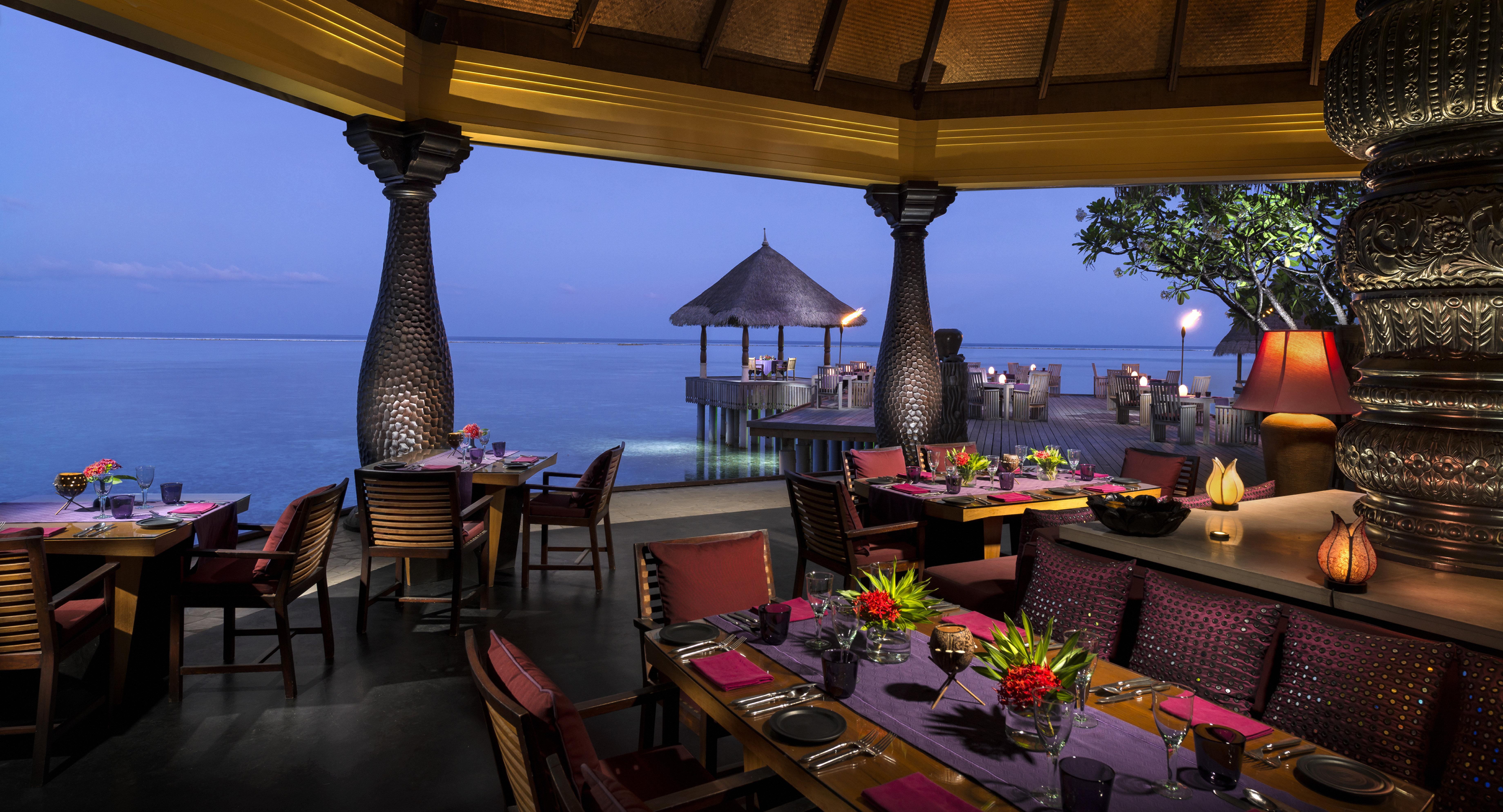 Restaurant-Four-Seasons-Maldives