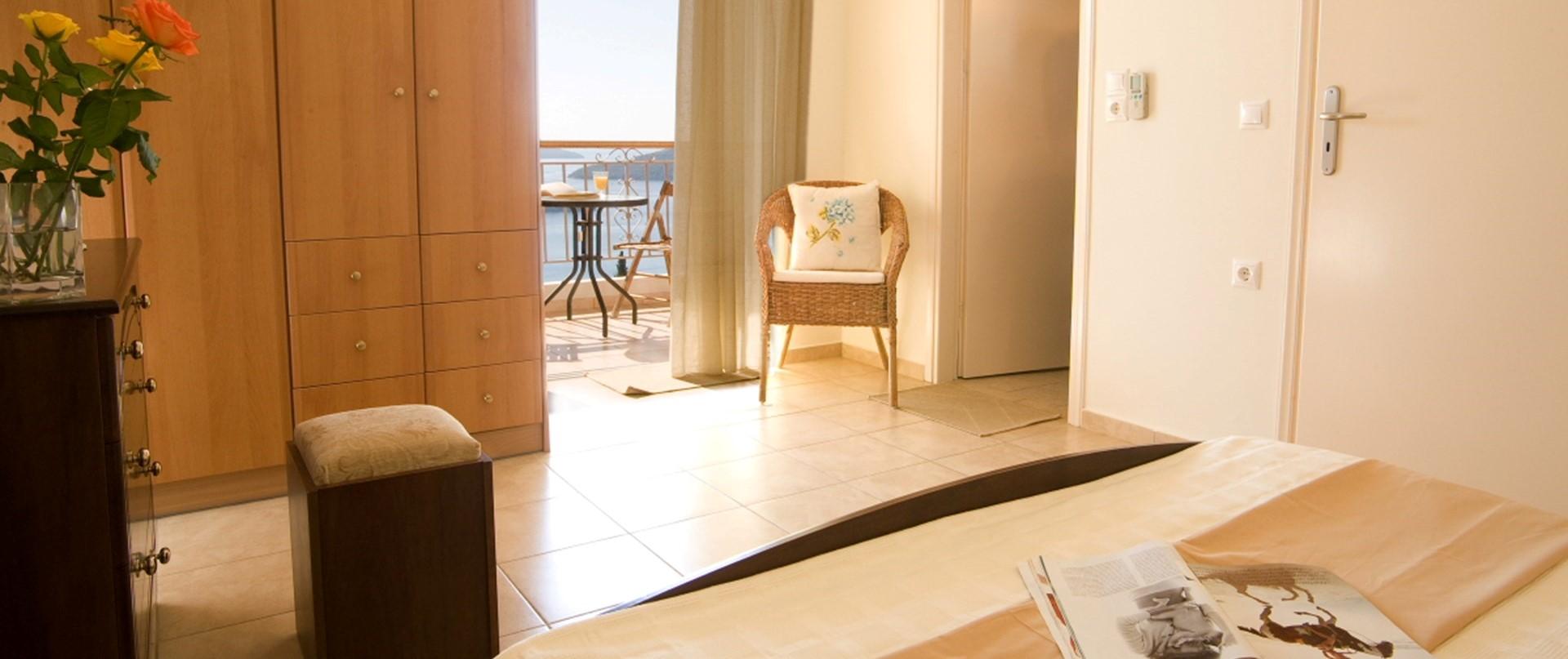 stavroula-villa-lefkada-master-bedroom