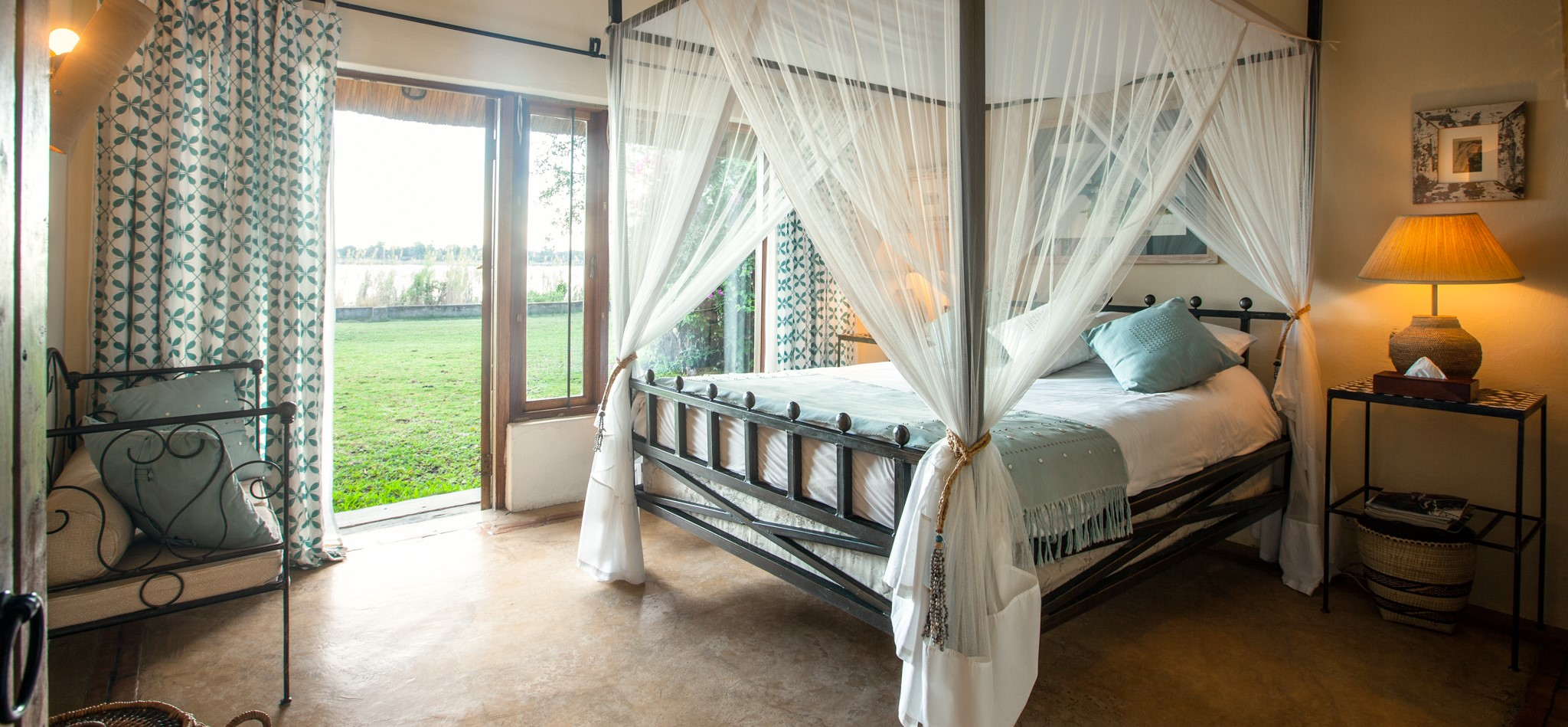 tangala-house-river-view-bedroom