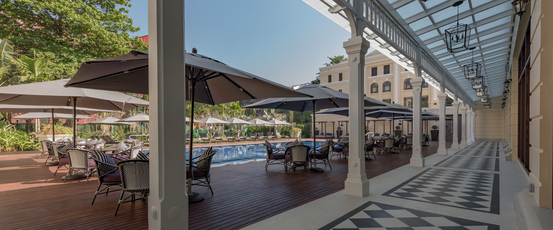 strand-hotel-yangon-pool