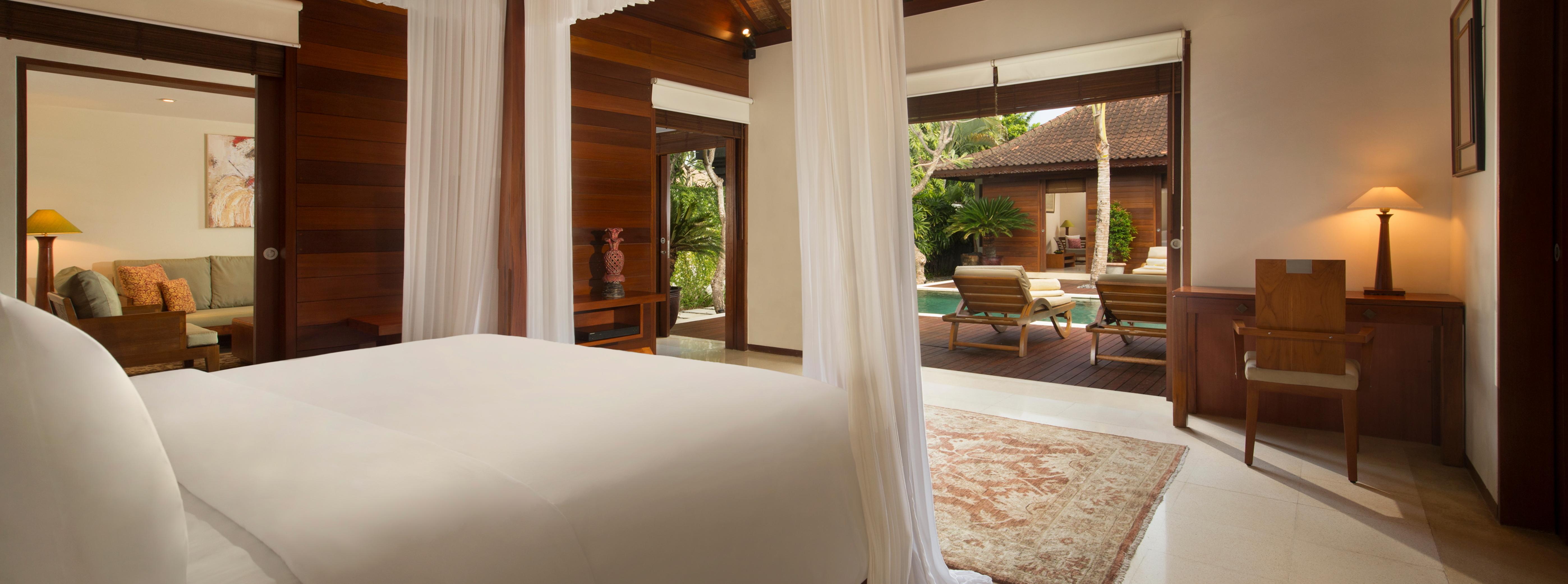 legian-joglo-villa-master-bedroom