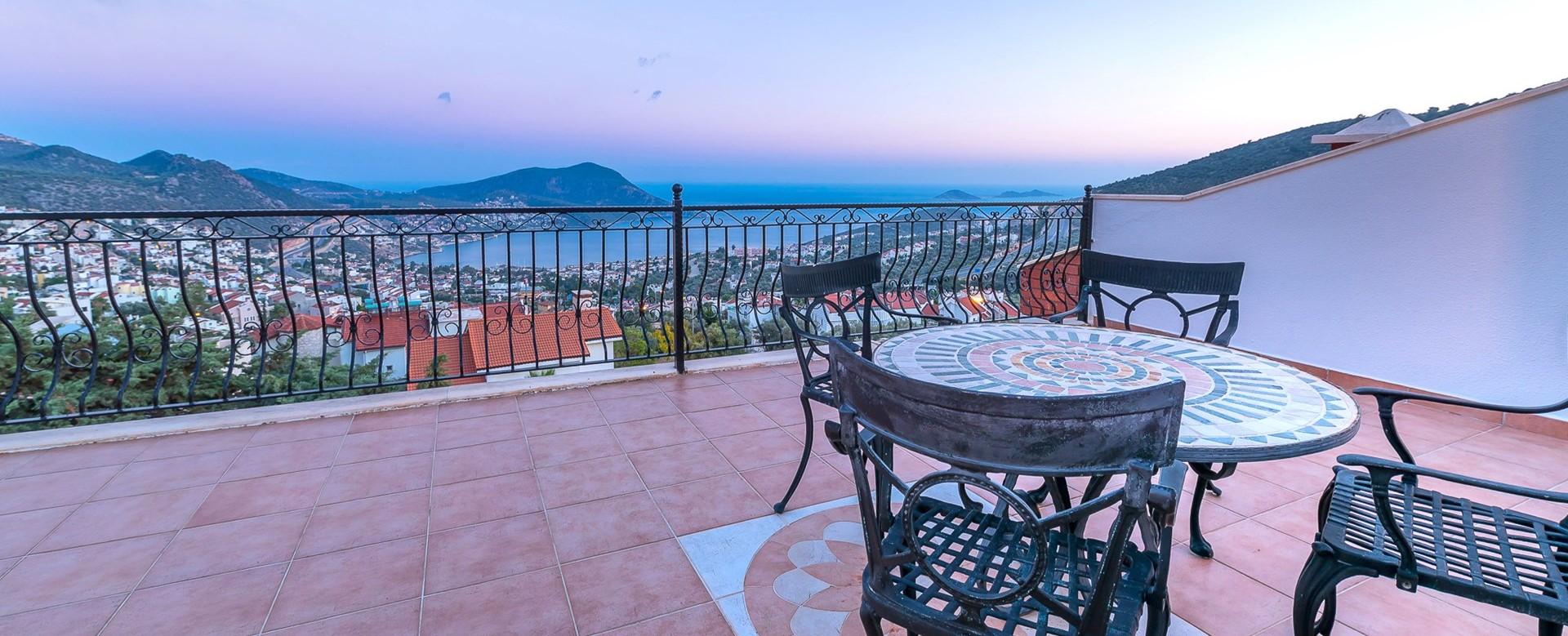 villa-caria-kalkan-seaview-roof-terrace.