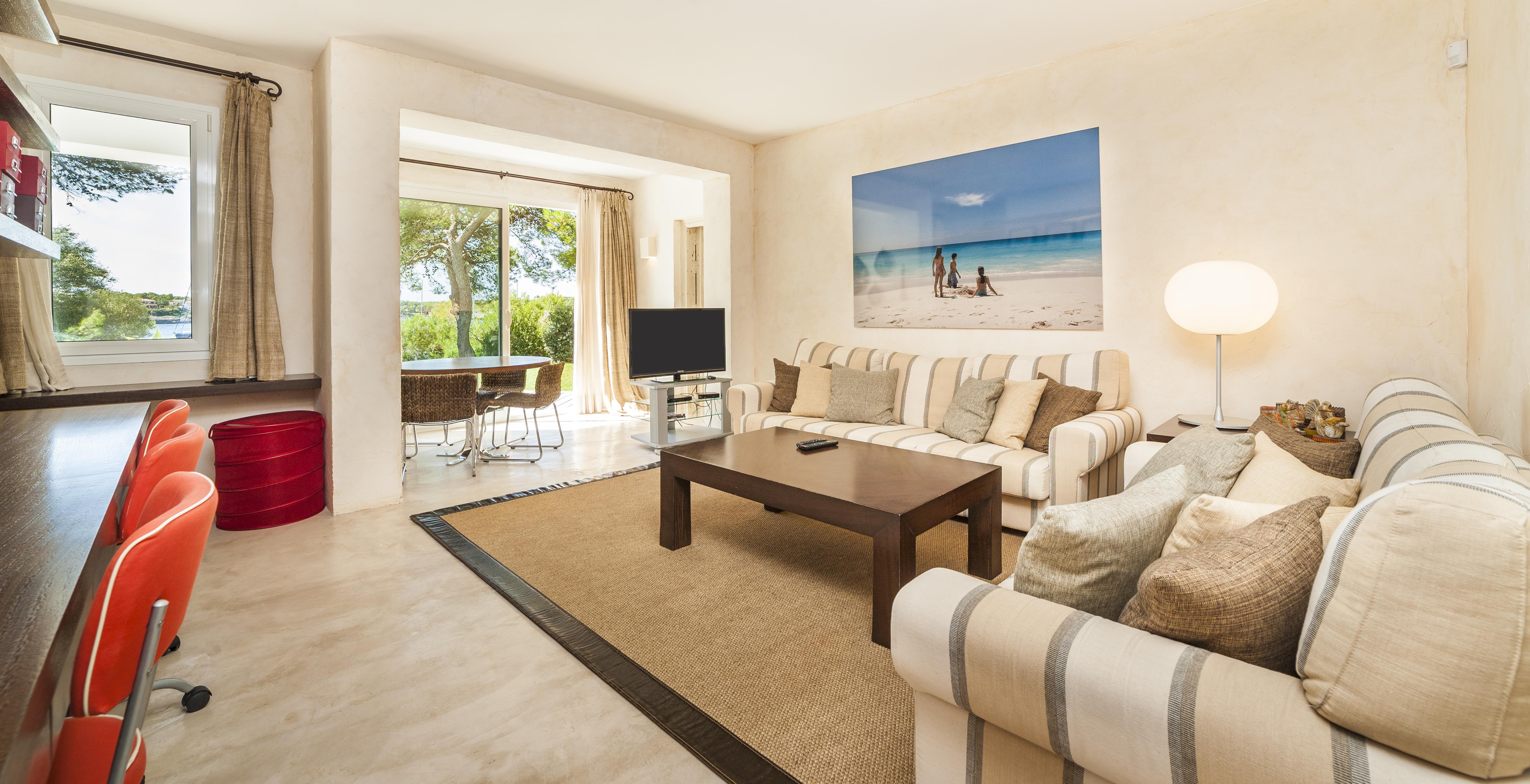 can-mondrago-luxury-villa-interior