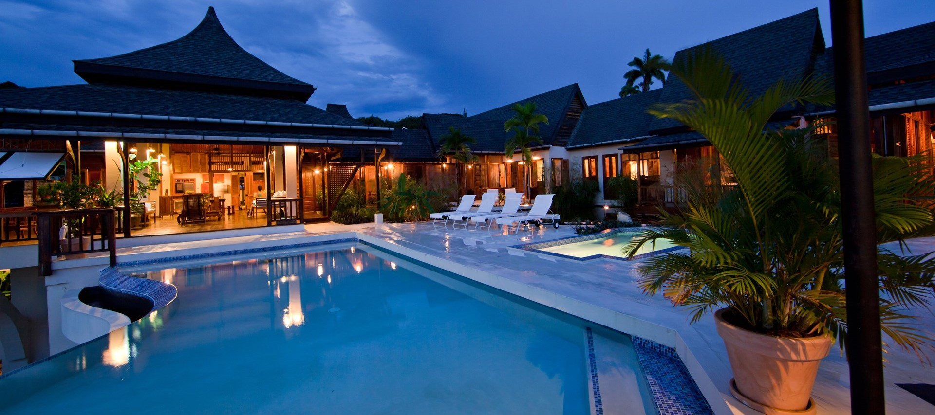 villa-ohana-tobago-pool-terrace-night