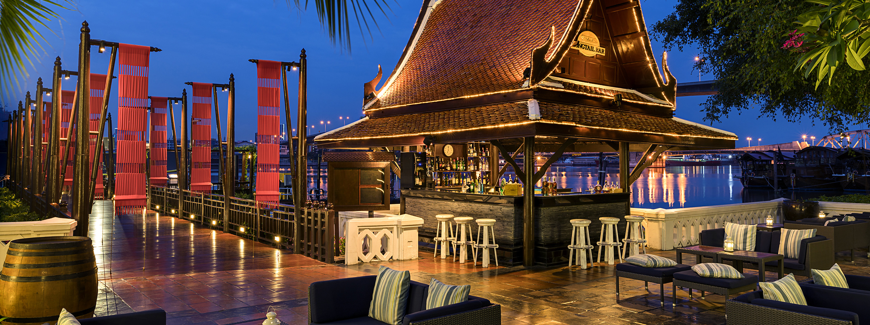 Riverside-Longtail-Bar-Bangkok