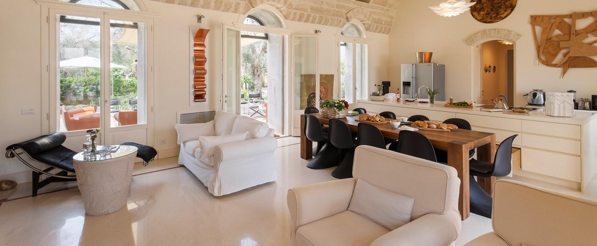 villa-tre-ulivi-puglia-kitchen