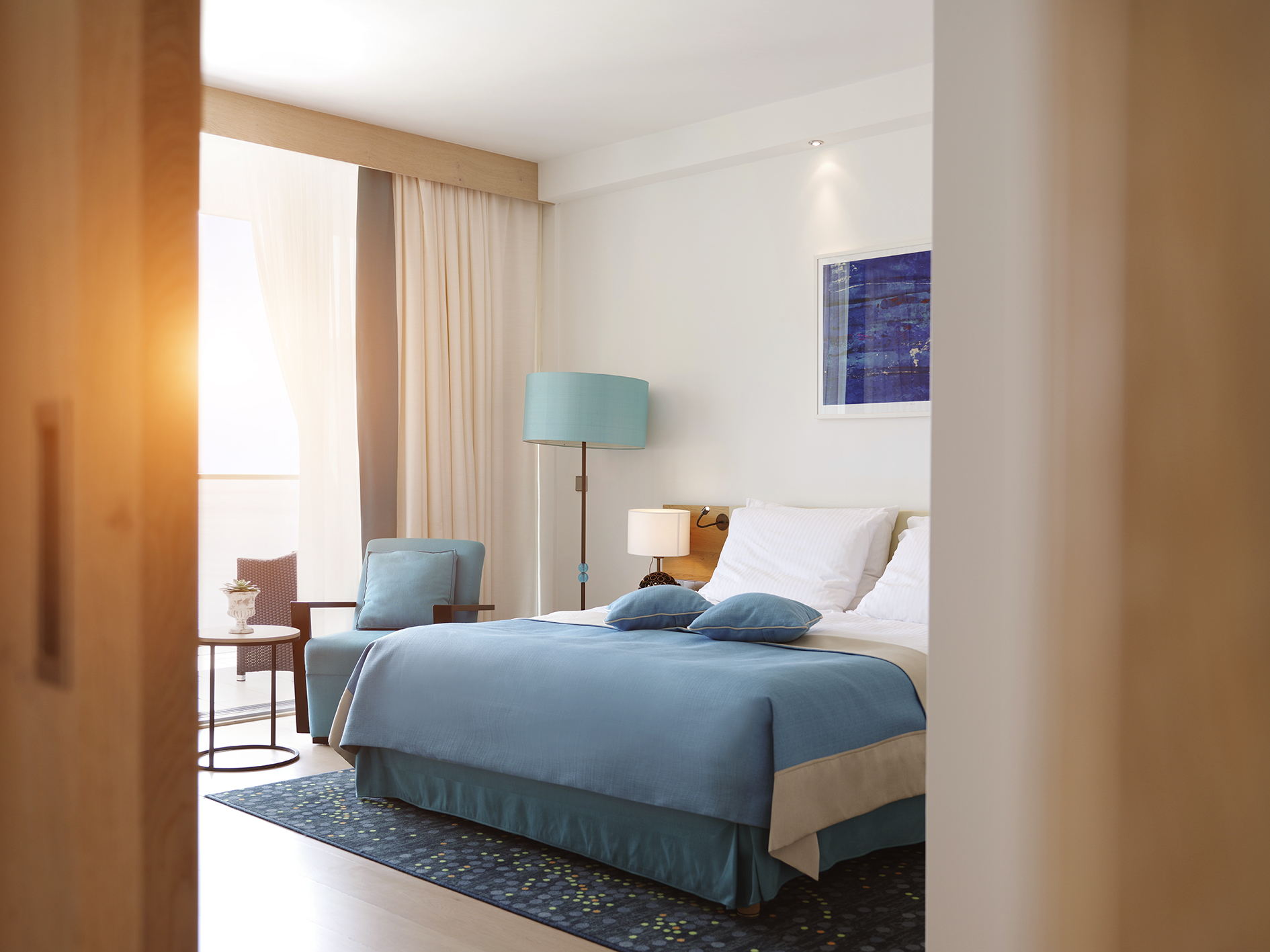 Sun-Gardens-Dubrovnik-hotel-suite