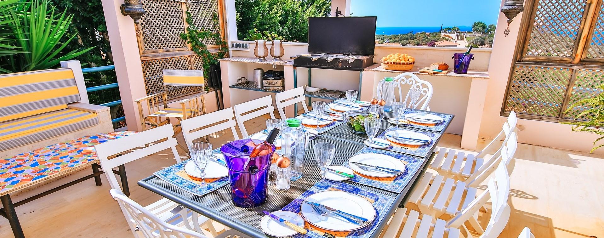 villa-kas-al-fresco-dining-terrace