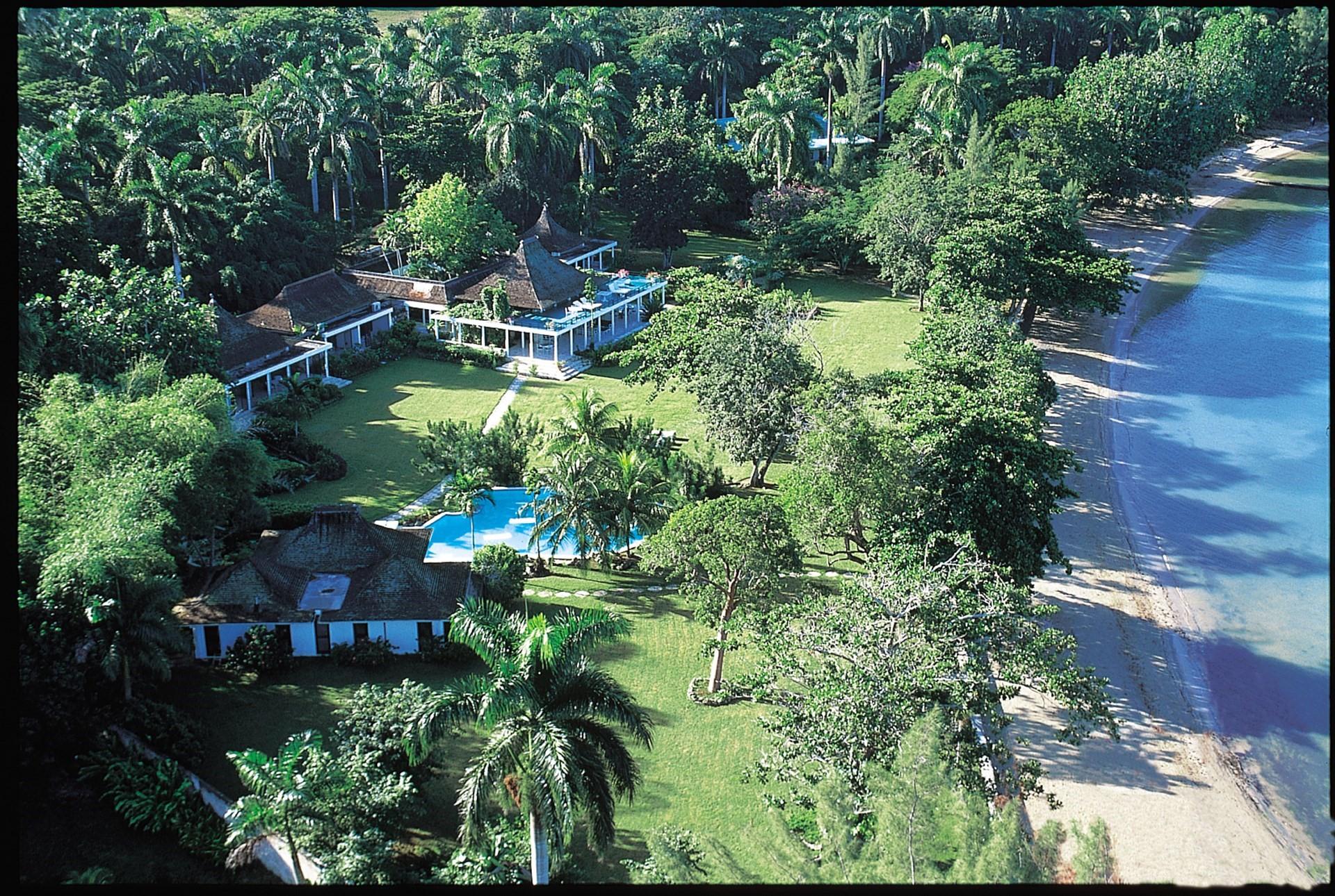 luxury-family-beach-villa-jamaica