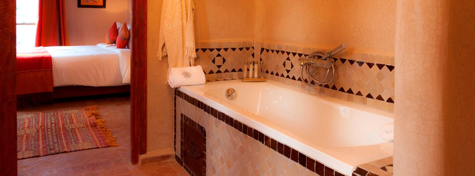 villa-basmah-ensuite-bathroom