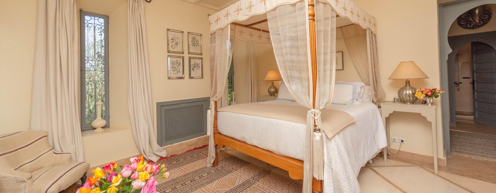 villa-dar-tourtite-master-bedroom