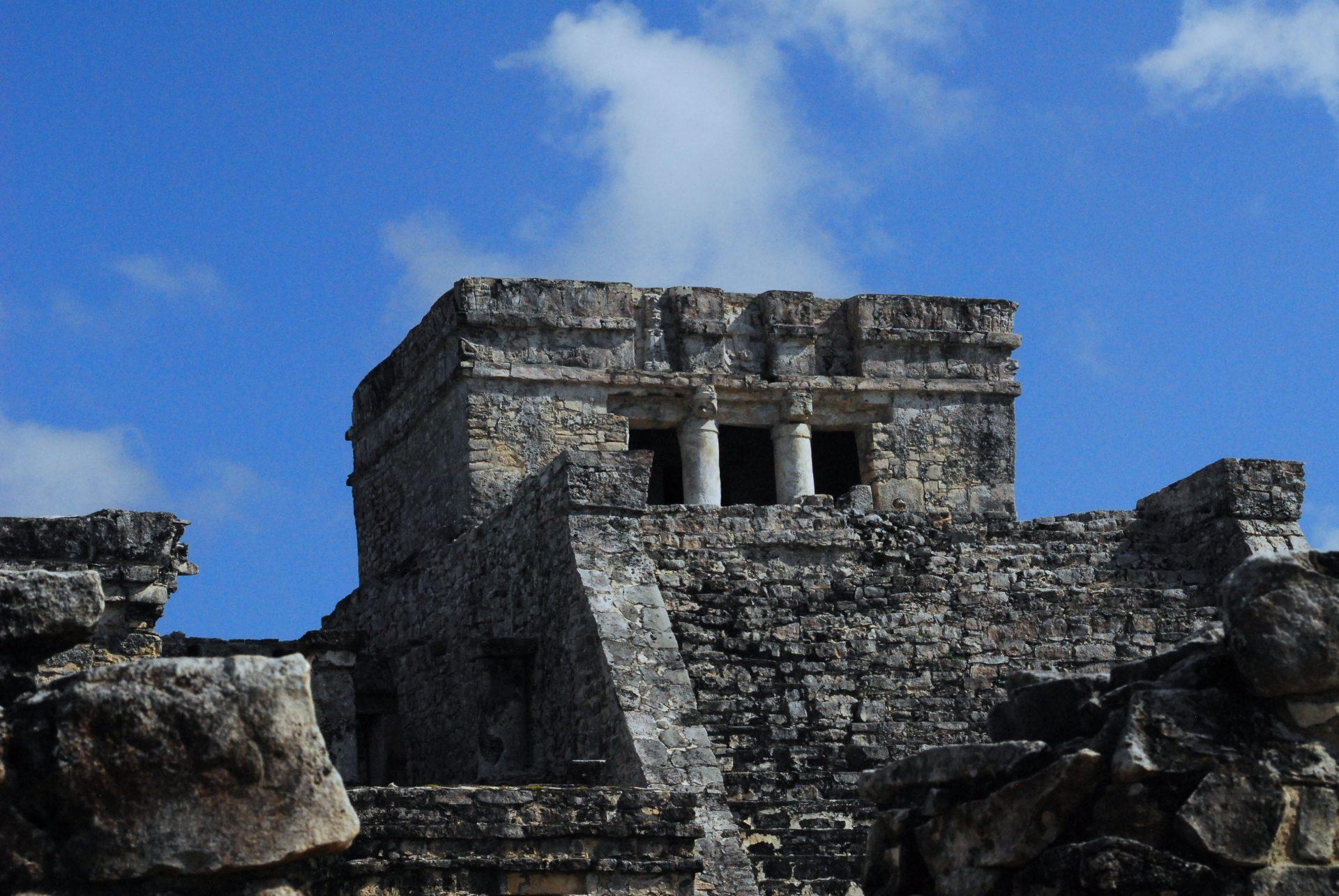 Pyramid-el-Castillo-at-Tulum