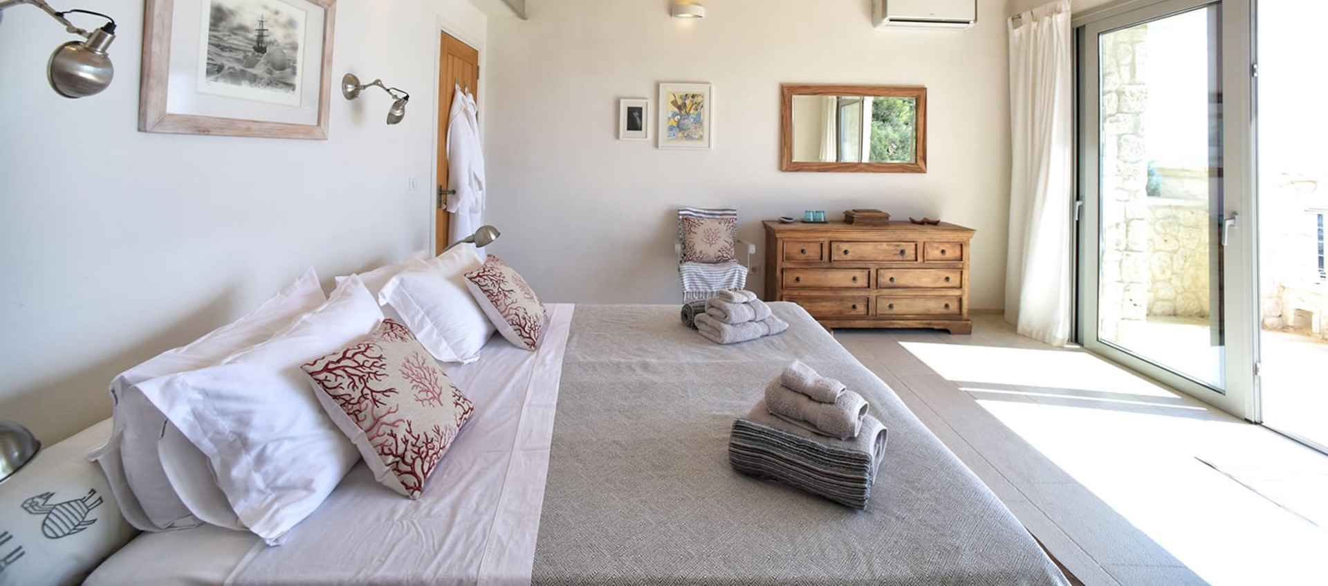 nissaki-house-master-bedroom-1