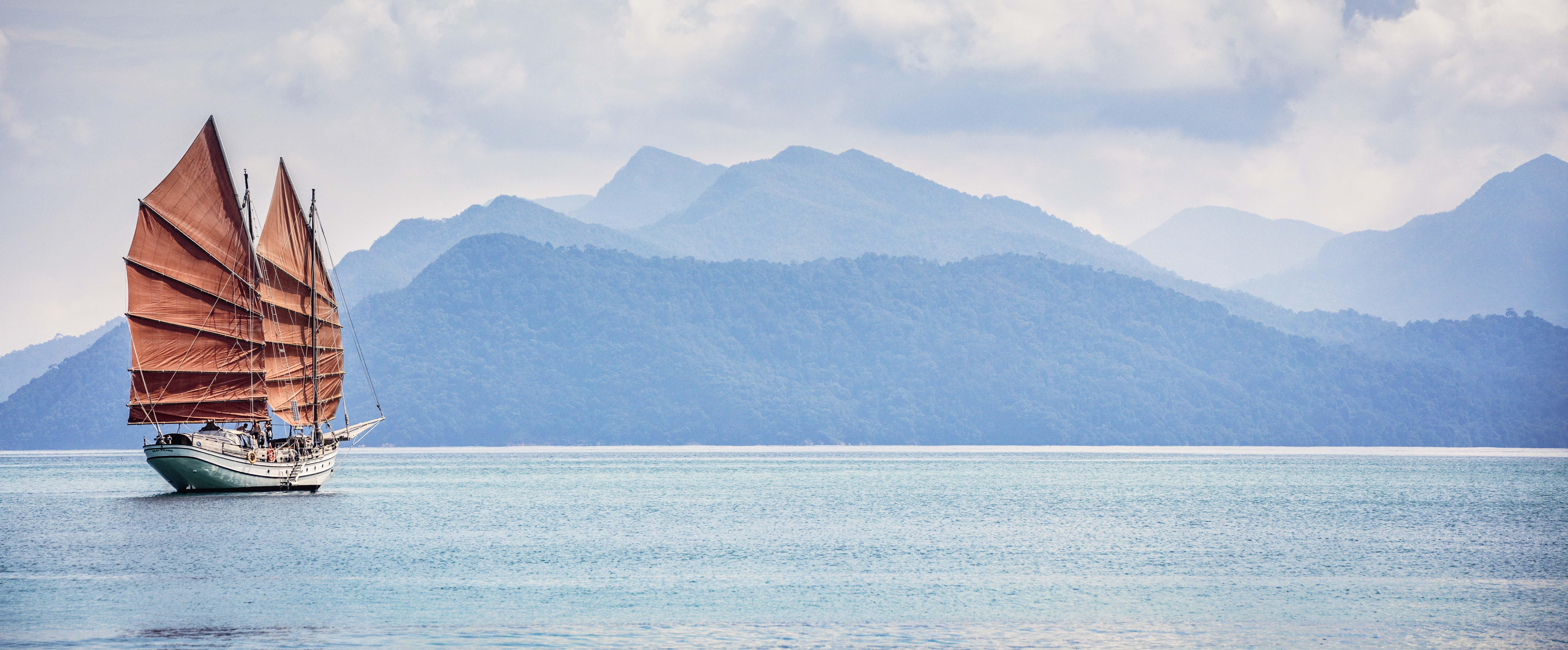 Naga-Pelangi-Bay-Cruise-Langkawi