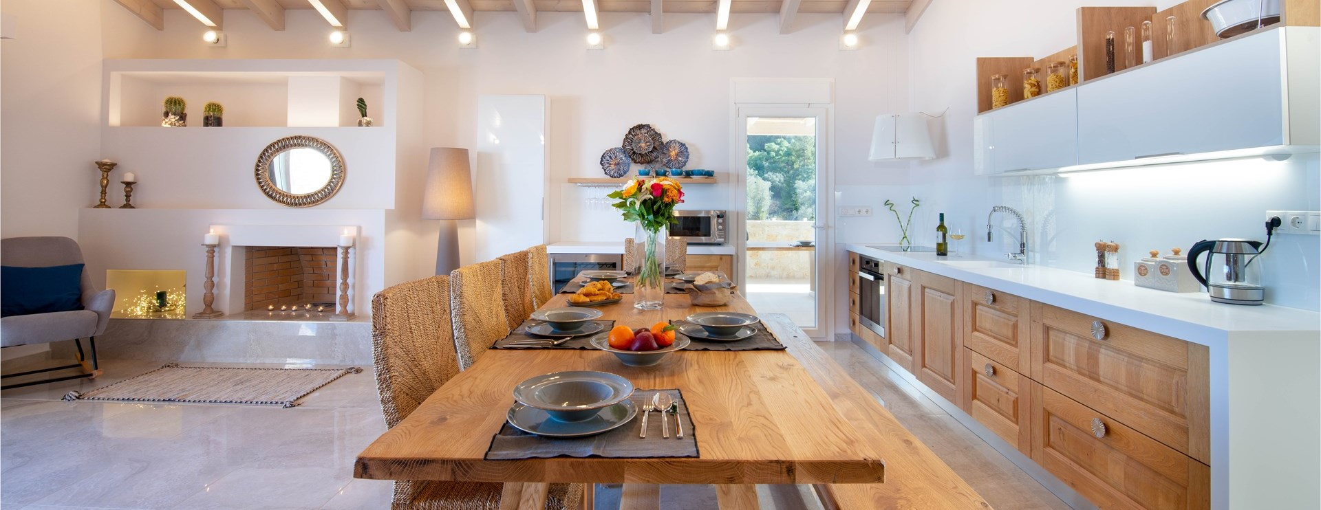nero-beach-house-kitchen-dining