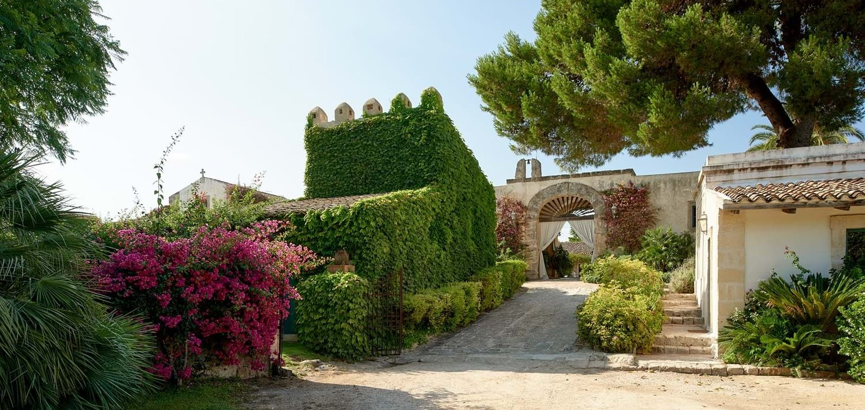 13-bedroom-villa-la-dimora-sicily