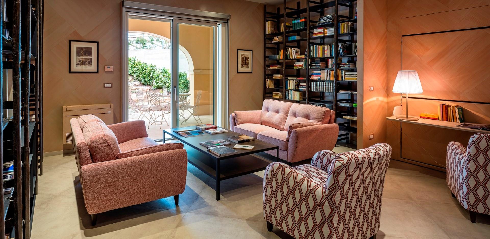 villa-dell-aquila-bedroom-3-sitting-room