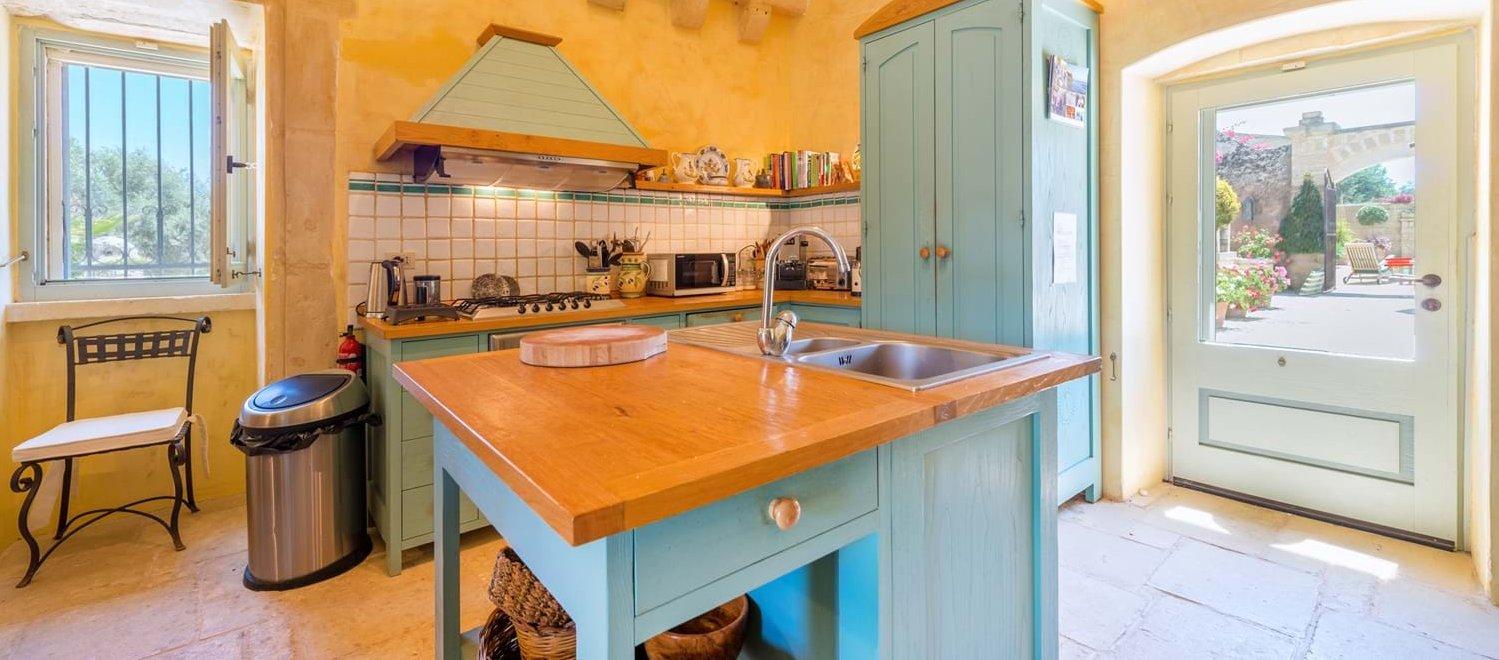 masseria-torre-pinta-puglia-kitchen