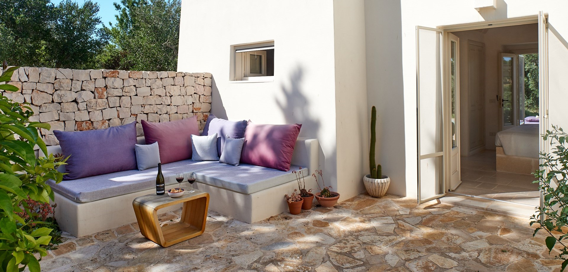 villa-verbena-puglia-bedroom-terrace