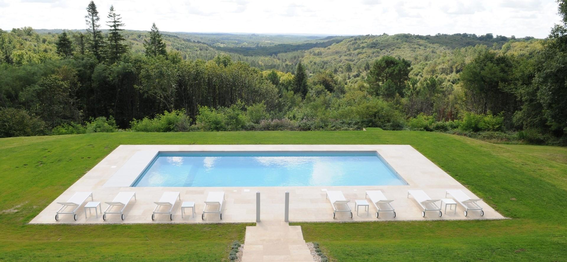 villa-domaine-de-bagatelle-pool