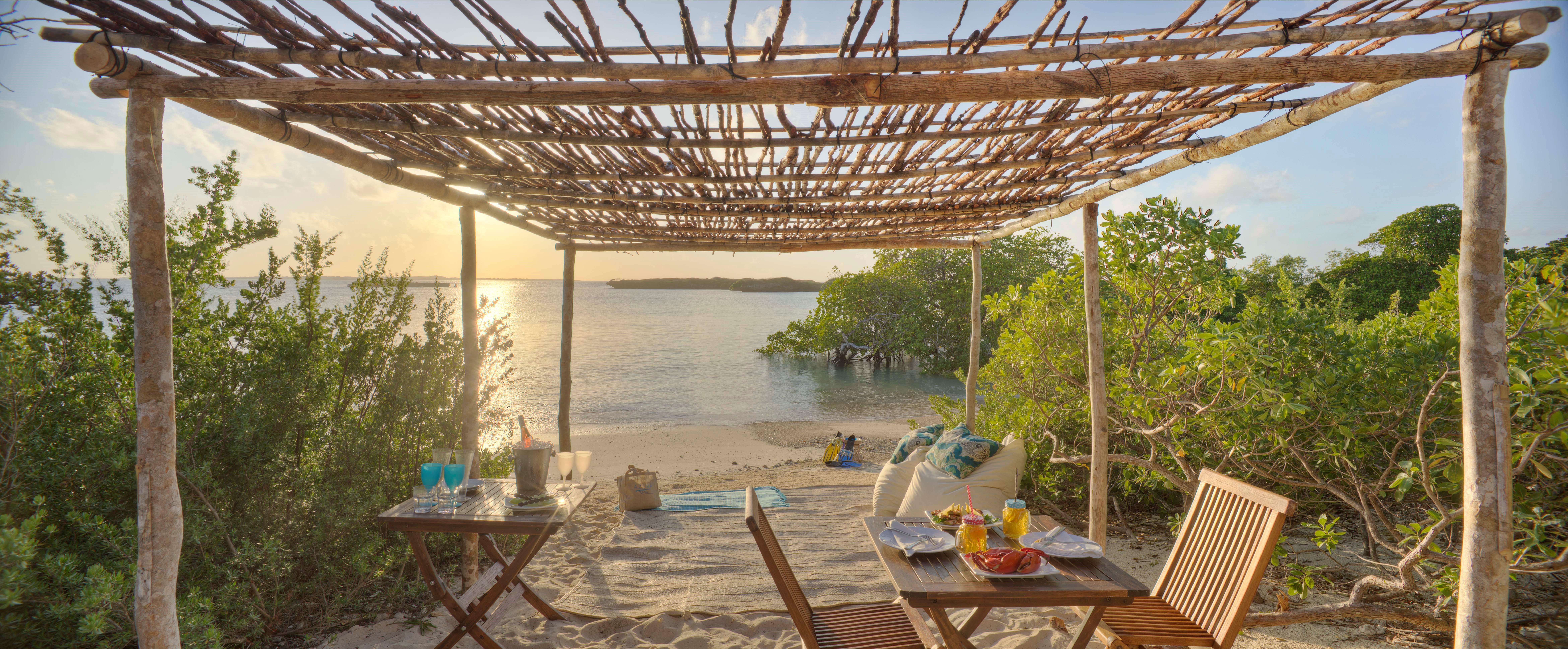 azura_quilalea_beach_picnic