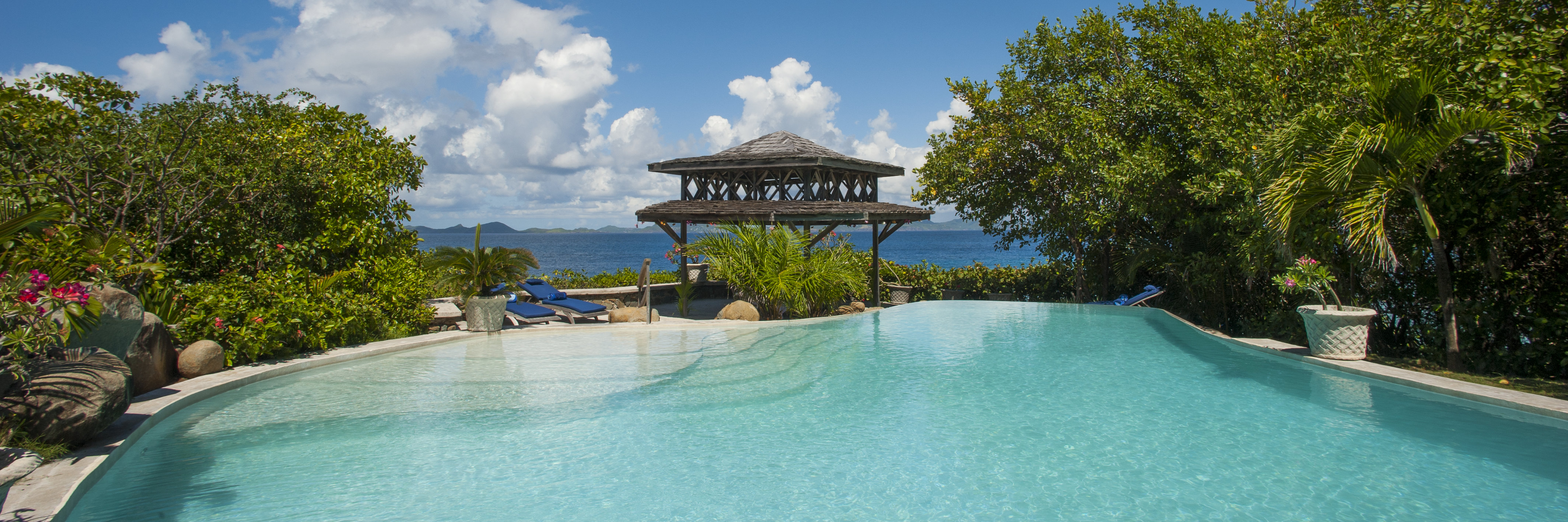 pool-view-mustique
