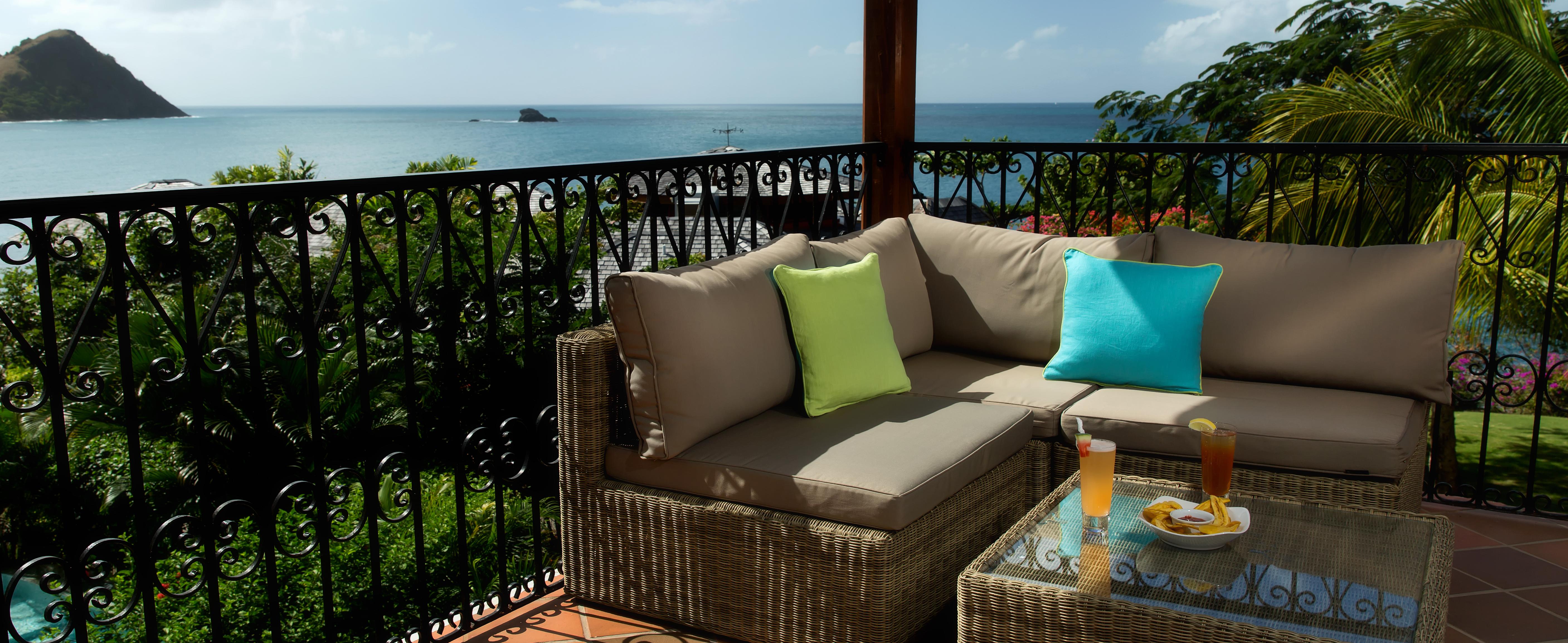 Junior-Suite-Balcony-cap-maison