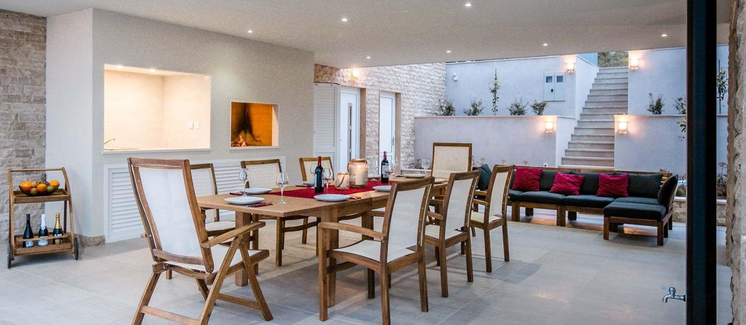 villa-arcadia-outdoor-dining-terrace