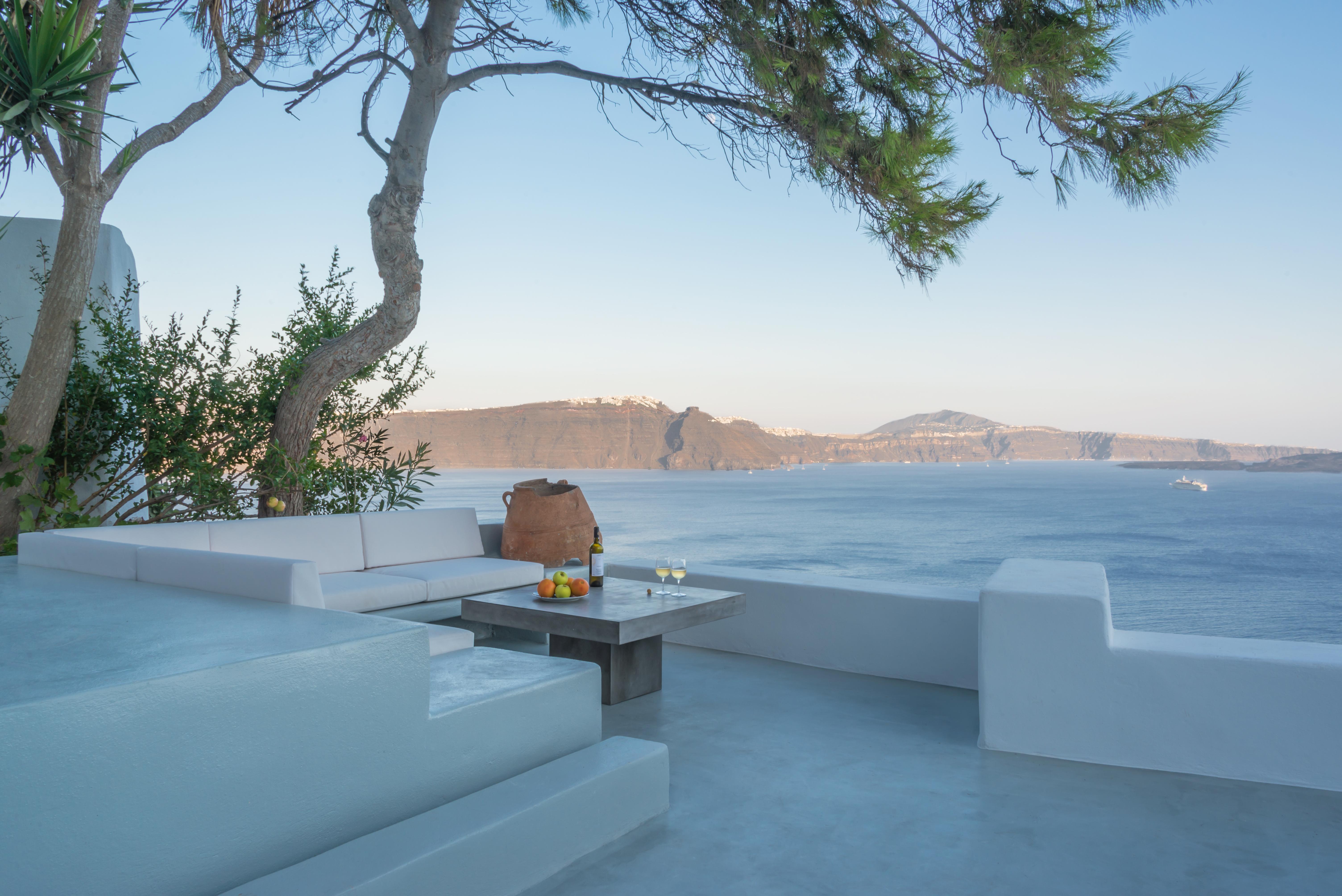 santorini-luxury-one-bedroom-cave