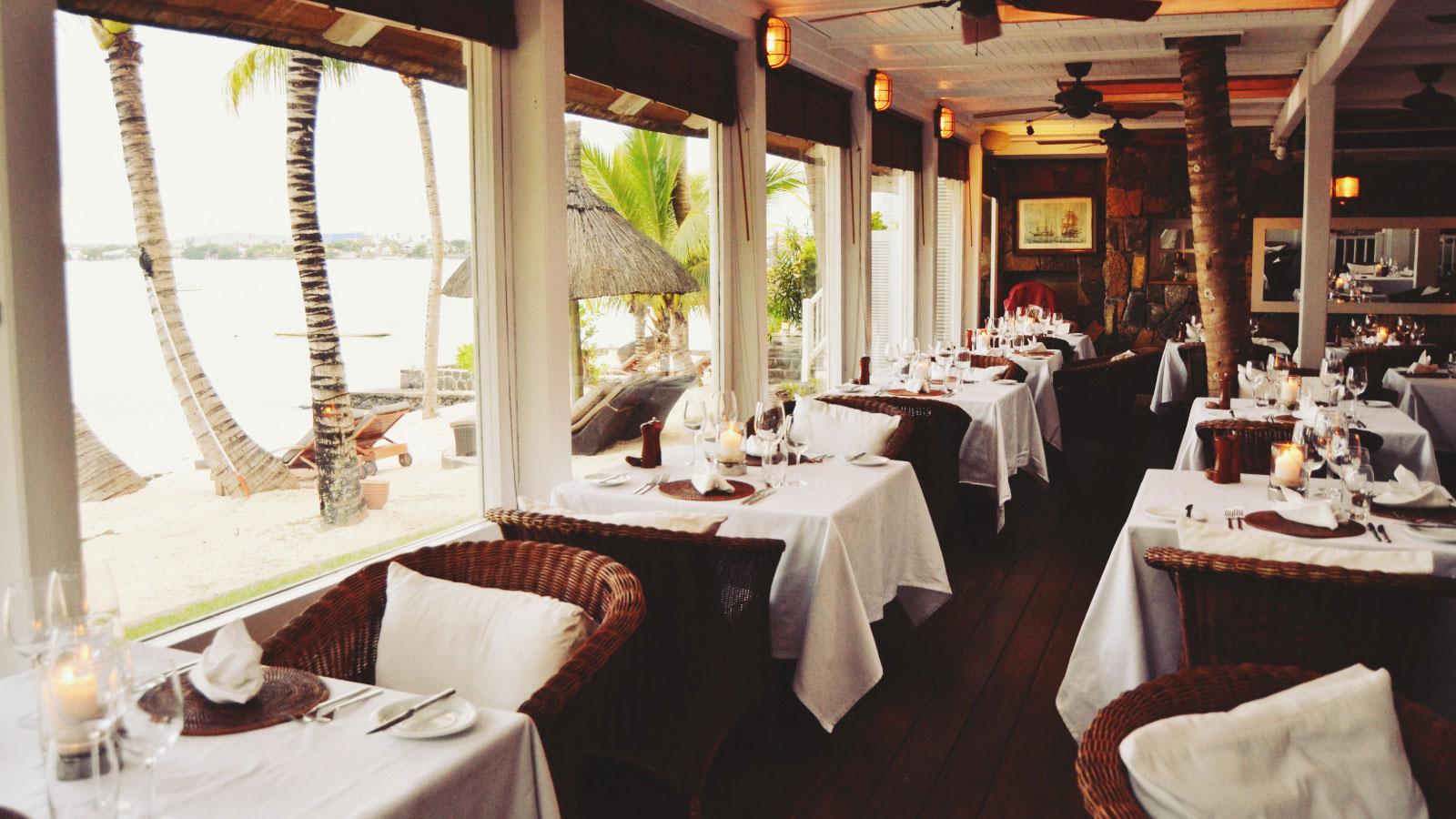 beachside-restaurant-mauritius