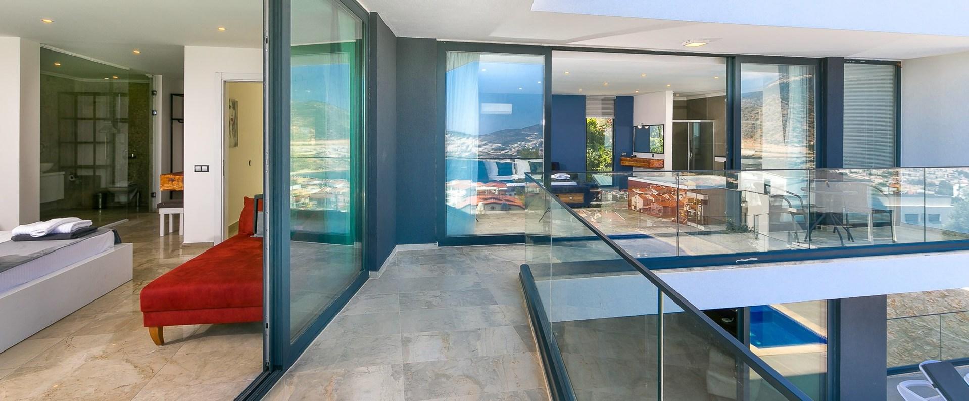 luxury-bedrooms-sea-view