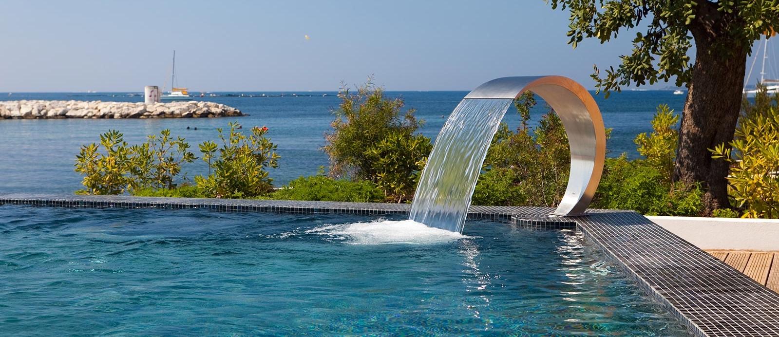 cap-dantibes-beach-hotel-pool