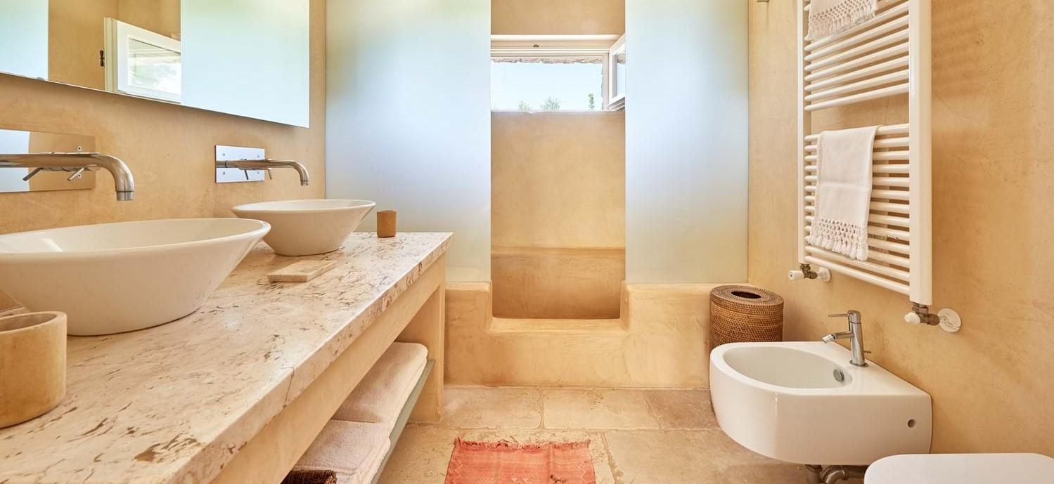 villa-benedetta-bathroom