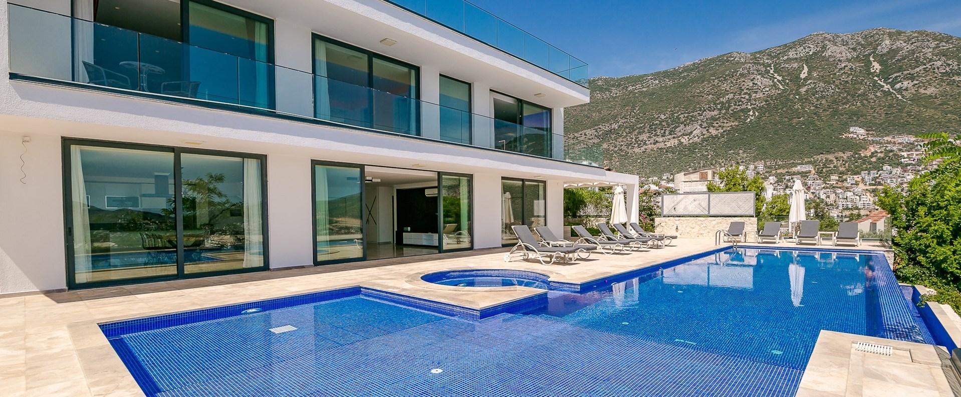 modern-luxury-family-villas-kalkan