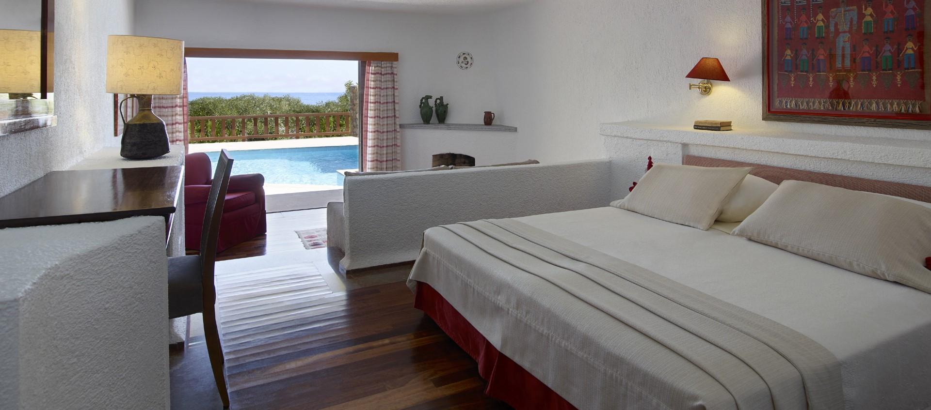 elounda-mare-deluxe-pool-bungalow