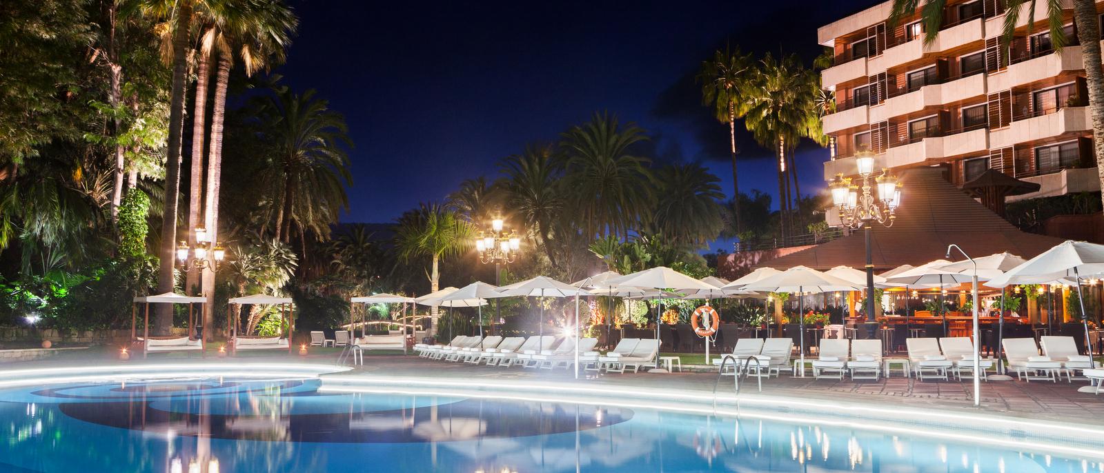 hotel-botanico-main-pool-night