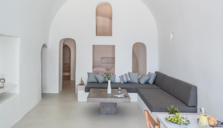luxury-santorini-romantic-villa