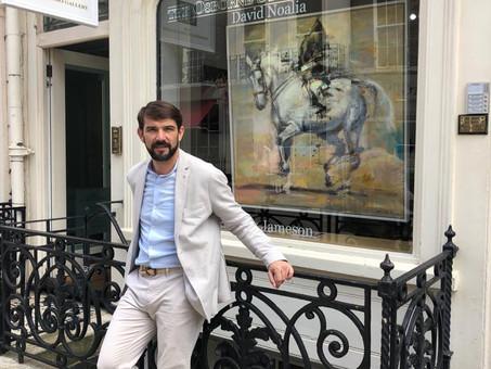 Primera exhibición del artista David Noalia en Londres.