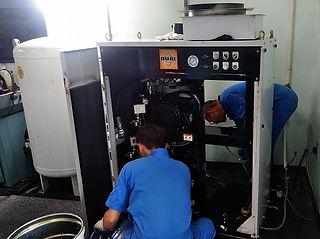 レシプロコンプレッサー 圧縮機交換作業