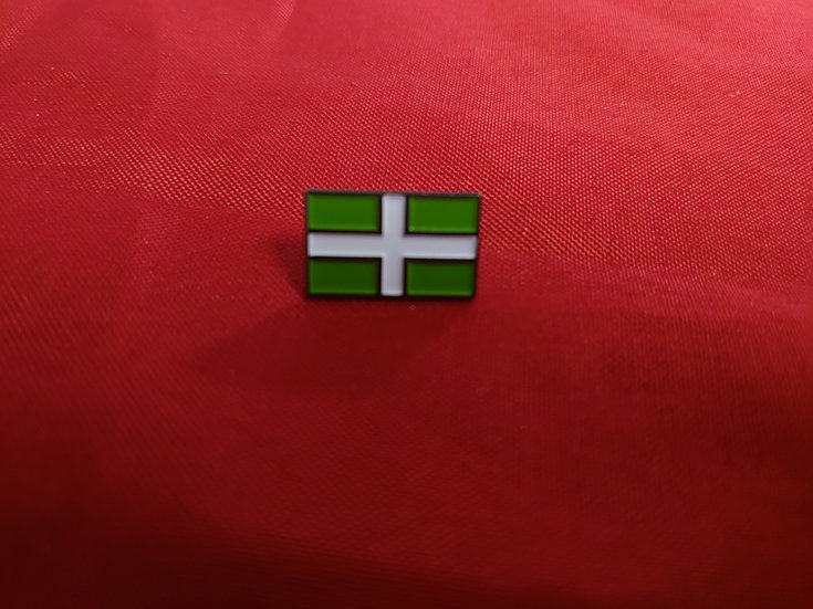 Devon Flag pin badge